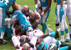 Leonard Fournette hammers in first TD with the Buccaneers