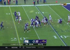 Wayne Gallman takes defenders with him on strong first-down run